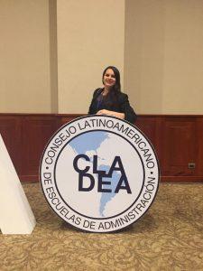 La profesora Laura Salas, durante la 52° Asamblea CLADEA